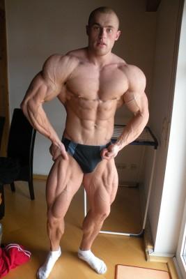 Alex Lesukov russian bodybuilder
