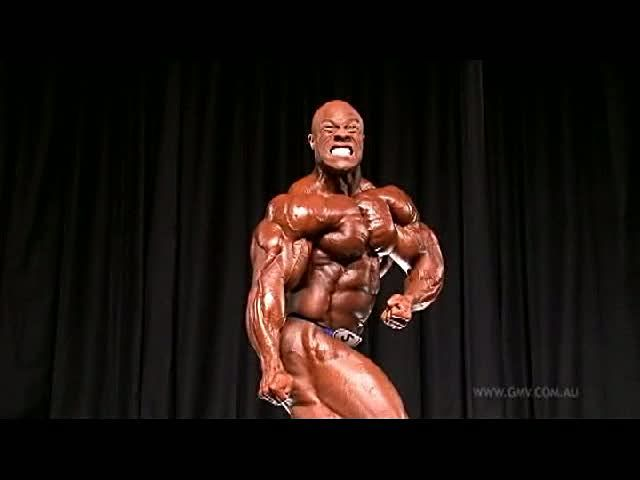 Phil Heath - 2010 Arnold Classic - Different View - DVD ...